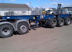 MONTRACON SLIDING SKELETAL TRAILER